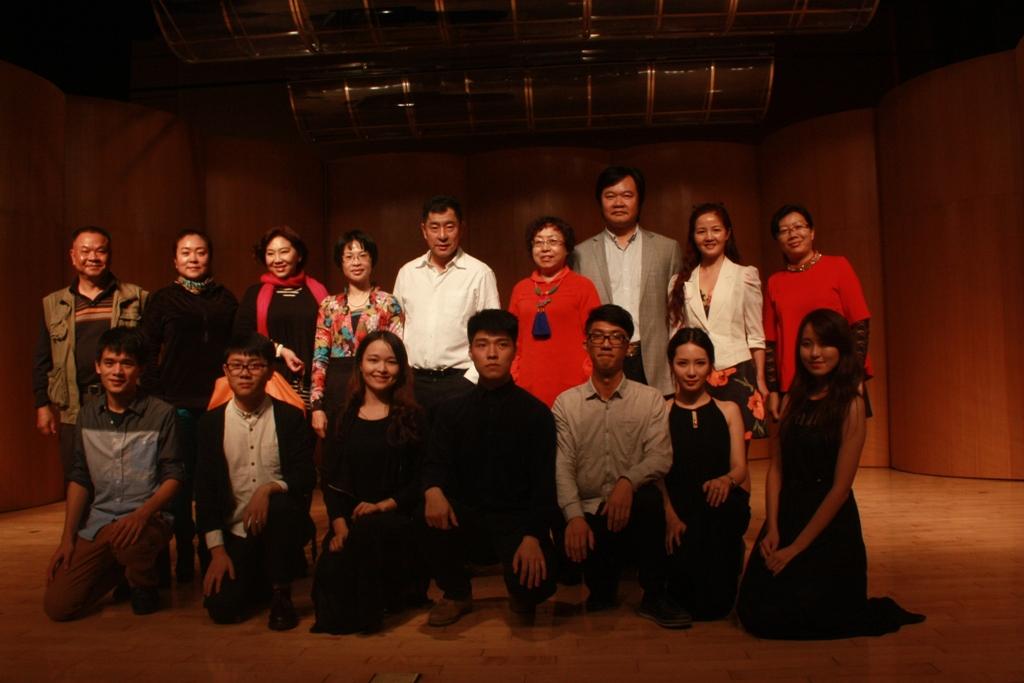 杨岩声乐大师班我校开讲-广东外语外贸大学